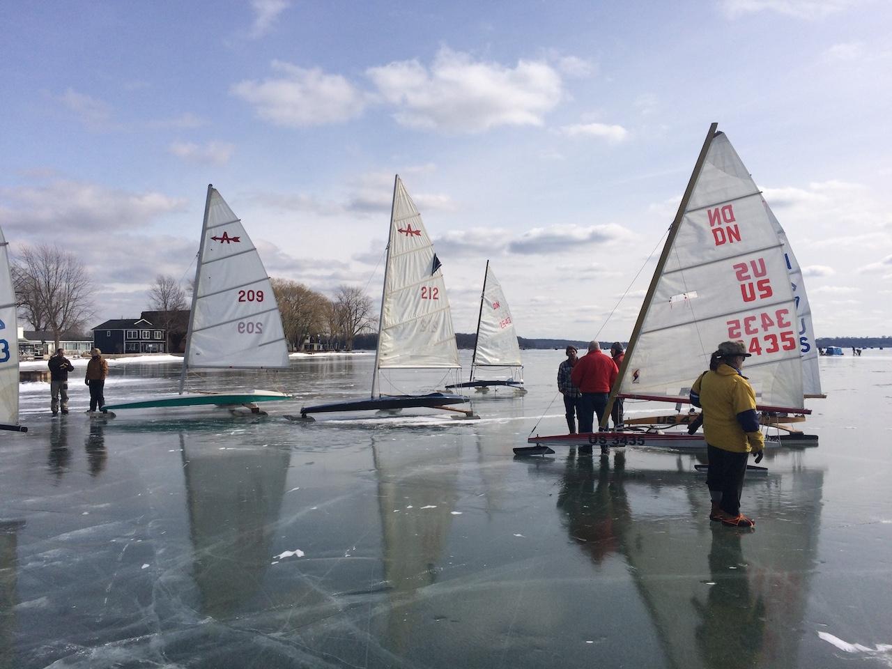 Ice sailing on Lake Ontario (photo)