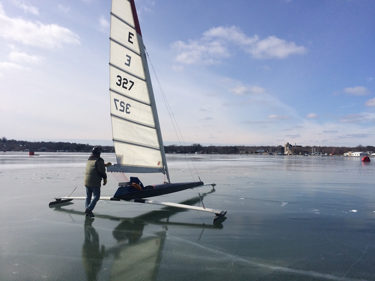 Timing is everything on an icy lake (photo)